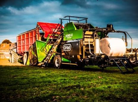 resizedimage600400-dens-x-red-trailer-maize-baling-448x299